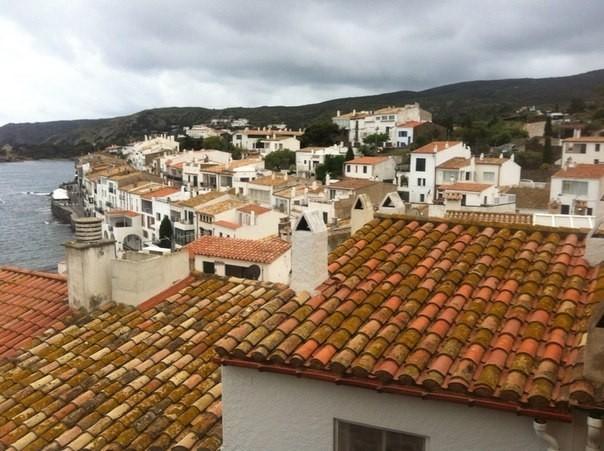 Кадакес - городок в Каталонии