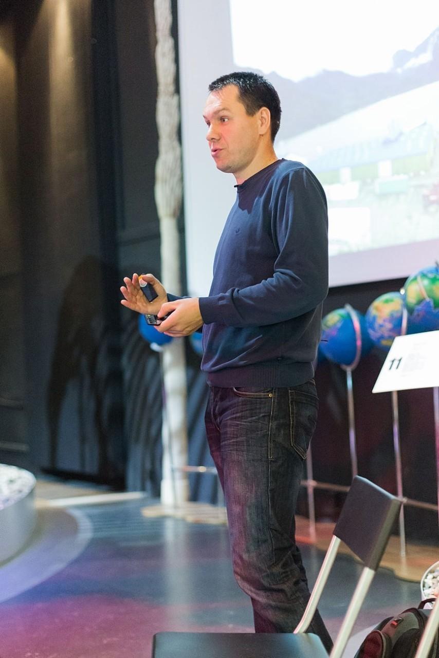 Фото и видео со встреч с Александром Волковым