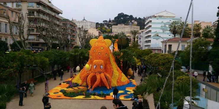 Оранжевая страна реальна: Фестиваль лимонов во Франции