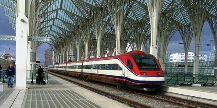 Поезда и железная дорога в Португалии