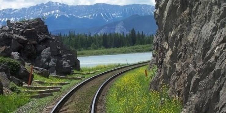 Поезда и железная дорога в Канаде