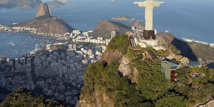 Статуя Иисуса в Рио-де-Жанейро открыта