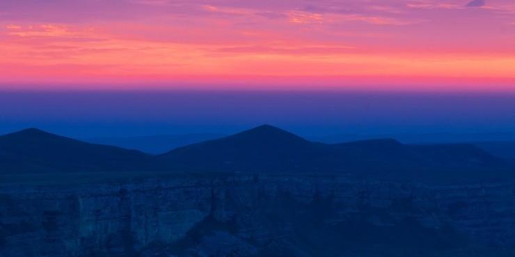 Рассвет на плато Бермамыт