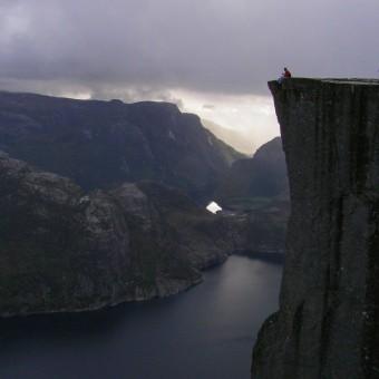 Прекестулен — скала-кафедра и визитная карточка норвежских фьордов