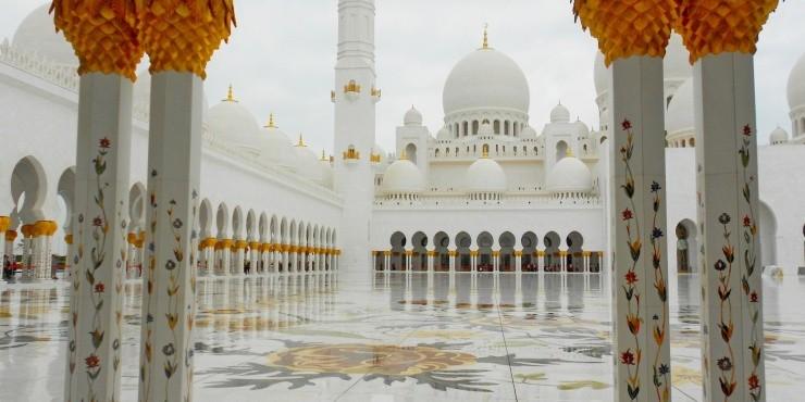 Абу-Даби и Белая Мечеть