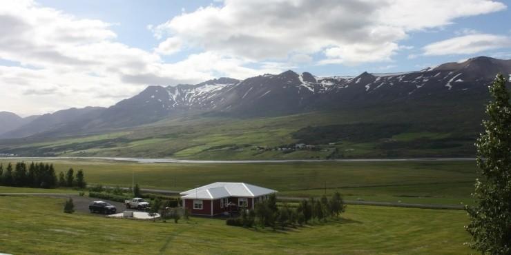 Акюрейри: 40 километров до Северного полярного круга
