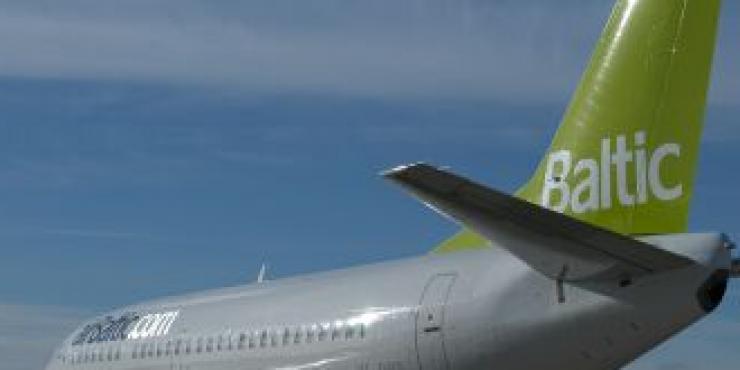 AirBaltic проводит ночную распродажу авиабилетов из Риги