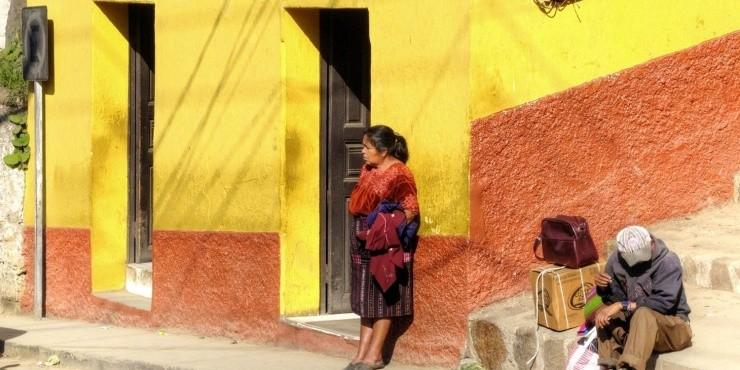 Самый большой рынок в Гватемале, разноцветное кладбище и гора с шаманами
