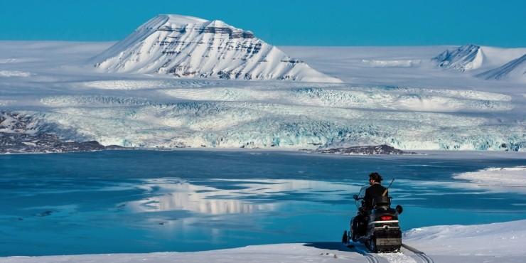 Экспедиция на снегоходах по арктическому архипелагу Шпицберген